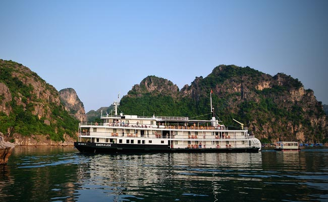 Halong Bay – Emeraude Cruise 2 Days