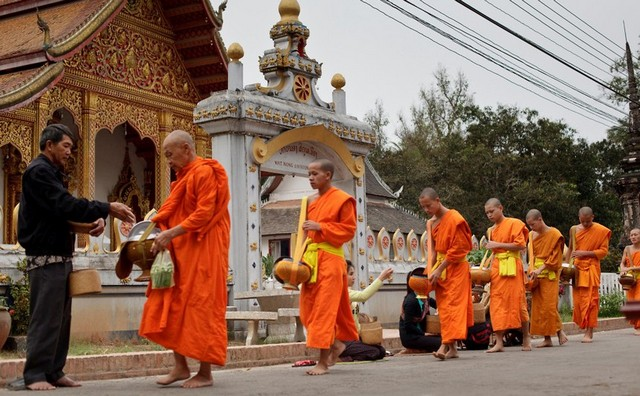 Laos Adventure Tours: Viengtiane - Luang Prabang 5 Days
