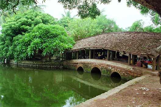 Vietnam Short Break: Hanoi - Duong Lam Ancient Village