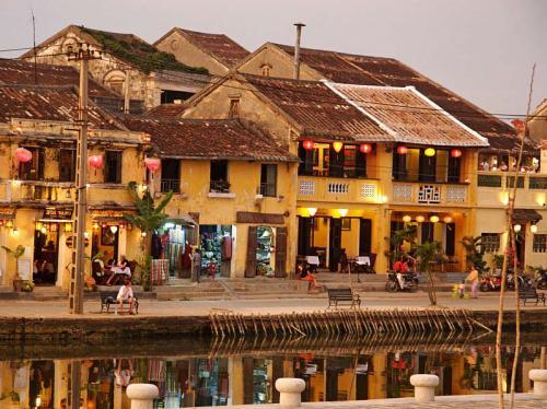 http://vietpowertravel.com/data/tour/Vietnam Short Break: Hoi An Ancient Town 1 Day