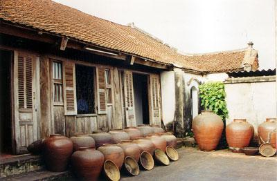 http://vietpowertravel.com/data/tour/Vietnam Short Break: Hanoi - Duong Lam Ancient Village