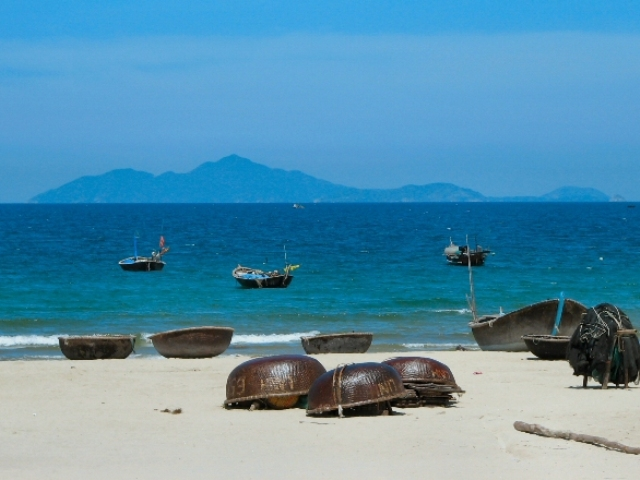 Vietnam Beaches Vacation Package 15 Days