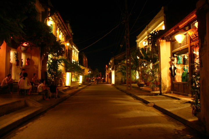 Vietnam Short Break: Hoi An Ancient Town 1 Day