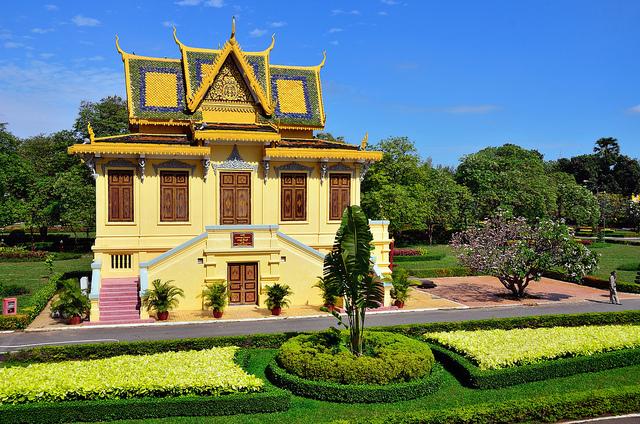 Glimpse of Cambodia: Phnom Penh – Siem Reap 5 Days