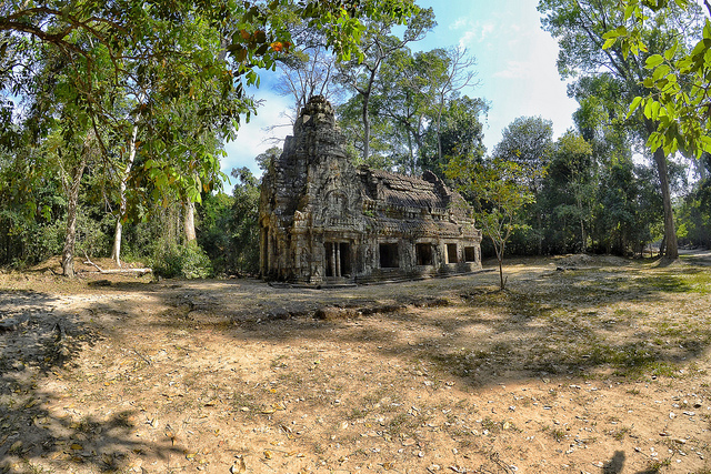 Cambodia Adventure Tours: Fascinating Angkor Temples