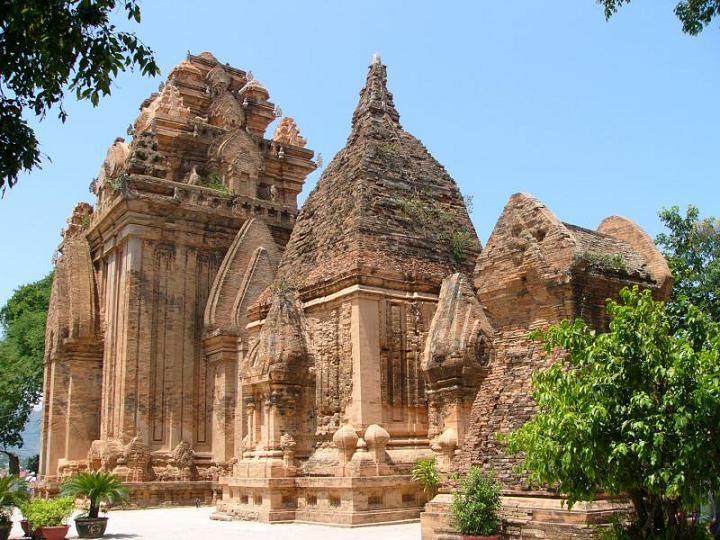 Tours Ponaga Nhatrang