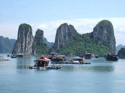 Vietnam Holiday Tours: HaLong - Hue - DaNang - HoiAn - Cu Chi Tunnel