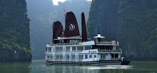 https://vietpowertravel.com/data/tour/Cruises in Halong Bay Tours: Pelican Luxury Cruise 3 Days